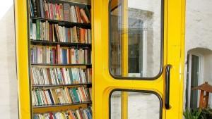 Bücherschrank HNA